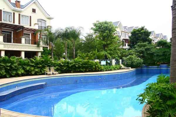 别墅置业游泳池